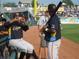 Little Visalia's Cesar Valdez takes a shot of Bakersfield's Jose Vallejo before Caro Cali ASG.jpg